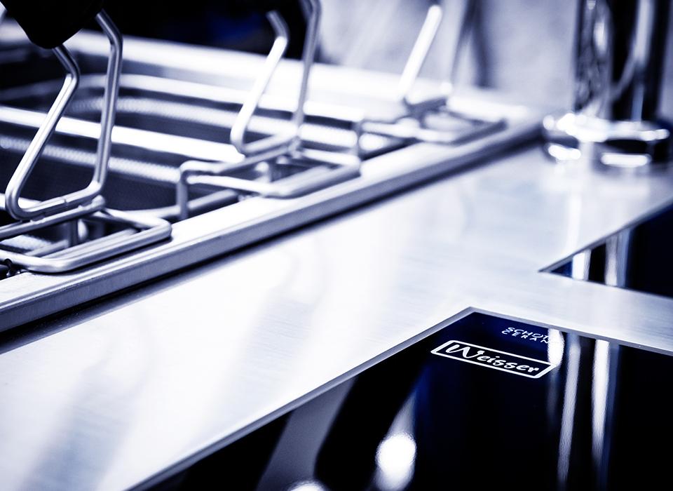 Weisser Großküchentechnik Ausschnitt Arbeitszeile