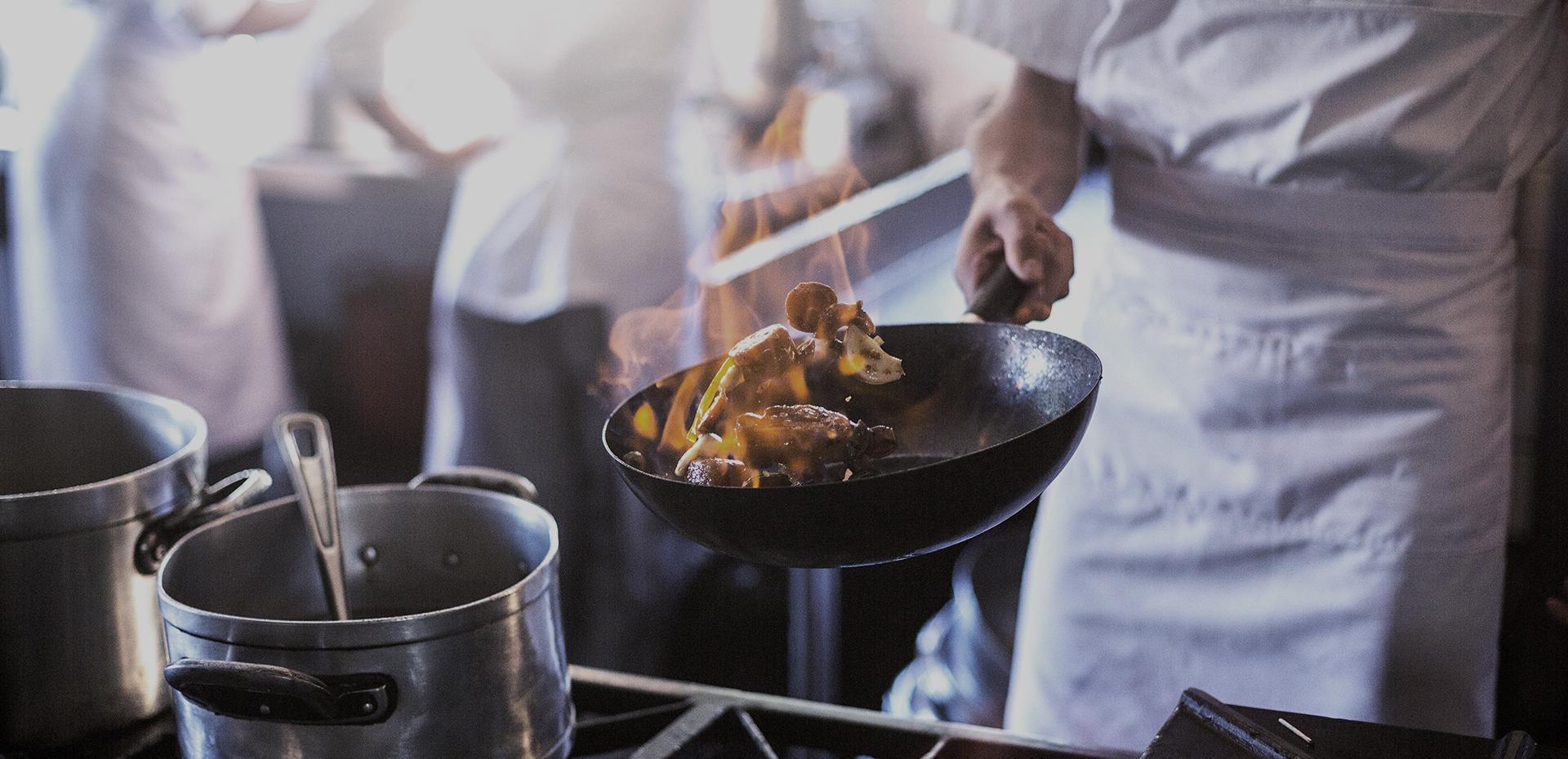 Weisser Großküchentechnik Essenszubereitung Gastronomie