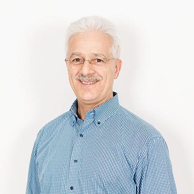 Weisser Küchenstudio Showroom Willi Herr, Fachberater