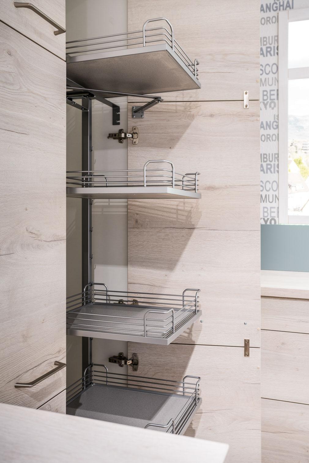 Weisser Küchenstudio Showroom Küchenschrank